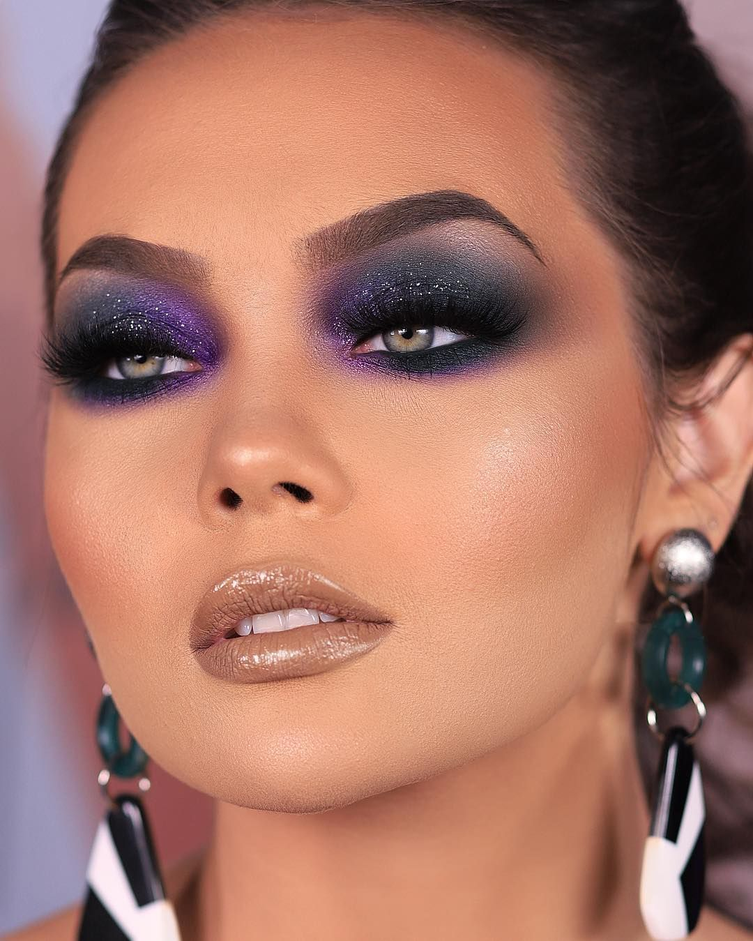 Her eye color 😍 in 2020 Intense eye makeup, Makeup, Blue