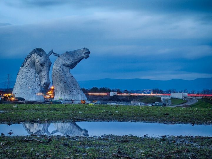 Giant Horse Head Sculptures Transform The Scottish Skyline Horse - Amazing horse head sculpture lights scottish skyline