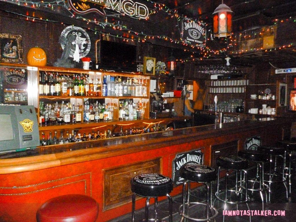 Rainbow Bar In Hollywood California Rainbow Bar Bars In Hollywood Bar Grill