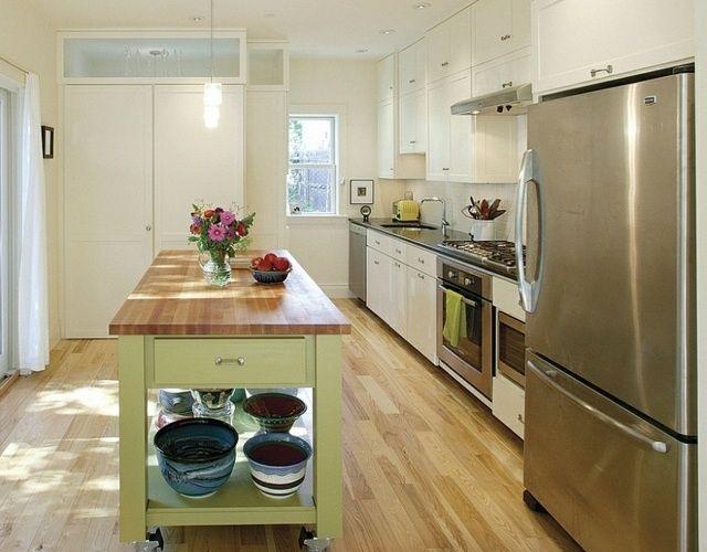 Îlot sur roulette - un meuble de cuisine compact et fonctionnel