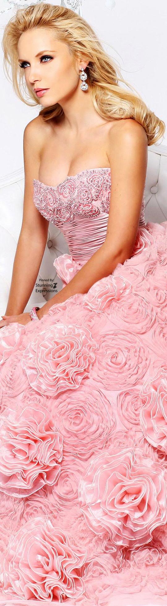 Asombroso Vestido De La Dama De Honor Colina De Sherri Festooning ...