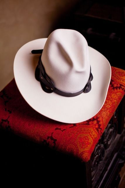 1462e62bd4538 CALGARY STAMPEDE Cowboy HAT smithbilt BY PAUL HARDY Limited edition ...