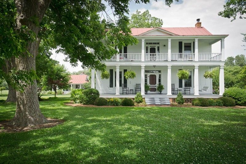 1870 Farmhouse Bloom Homestead in