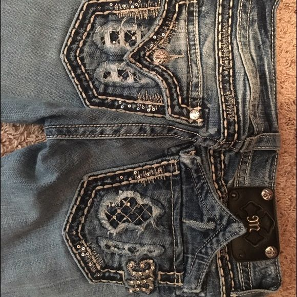 Miss Me Jeans Miss me jeans with decorative pocket in good condition, bought at Buckle Miss Me Jeans Straight Leg