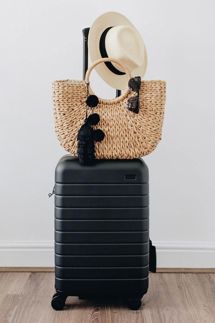 black carry on luggage #Carry-onLuggageTips