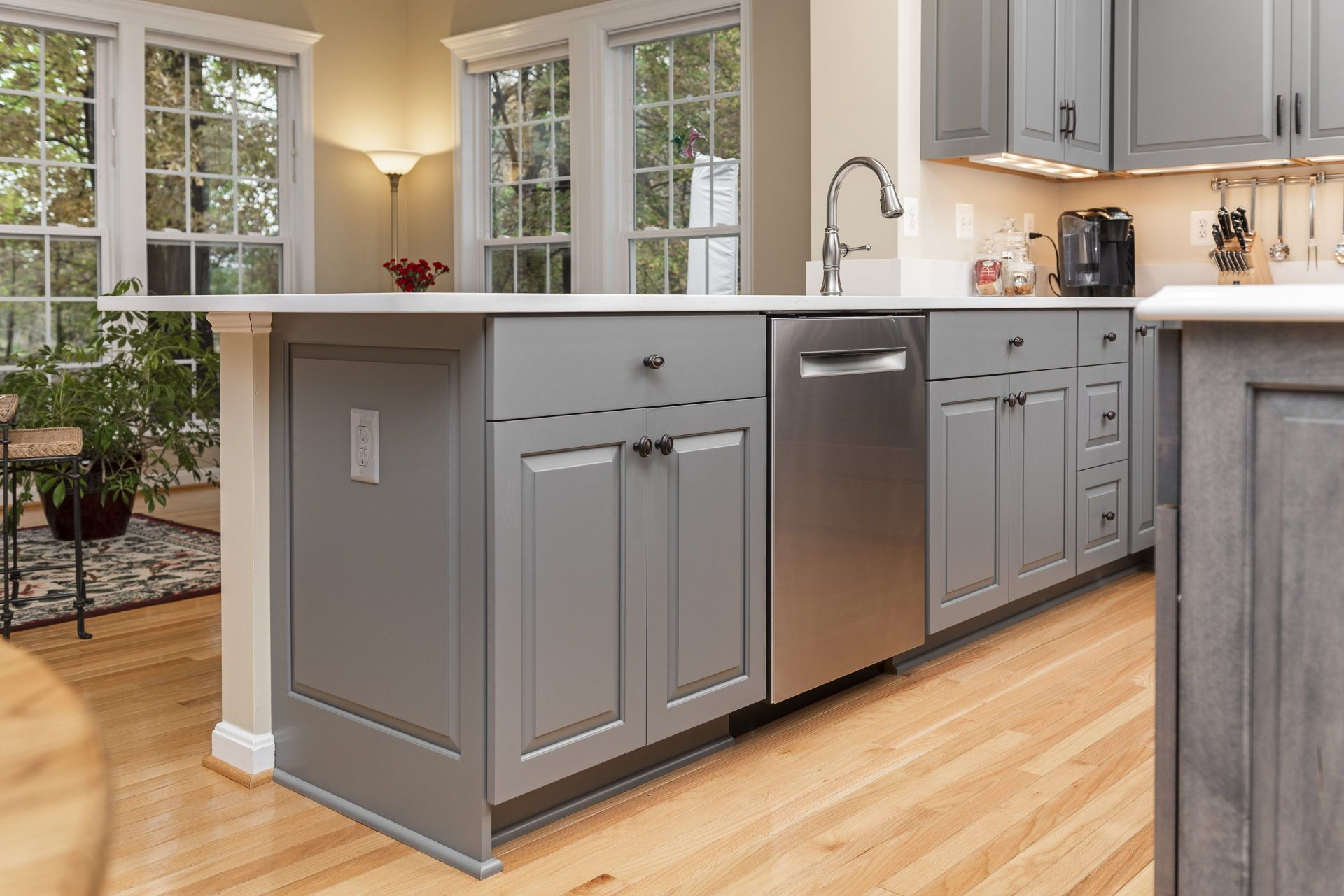 Gaithersburg Md K S Renewal Systems Llc Cabinet Styles Grey Kitchen Cabinets White Quartz Countertop