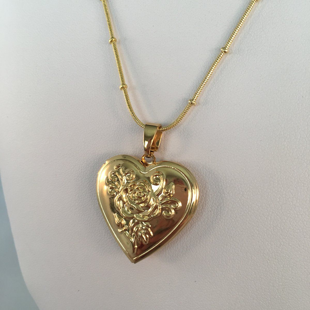 fcb46c11416cce Gold Rose Heart Locket in 2019 | Jewelry | Jewelry, Pendant necklace ...