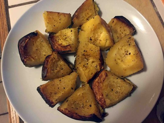Cooking Caveman with Jeff Nimoy: Roasted Acorn Squash. Olive oil, black pepper, garlic granules. All organic.