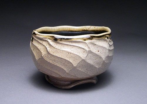 Pottery Video Of The Week A New Twist On A Faceted Bowl Ceramic Arts Network Pottery Videos Ceramic Bowls Pottery