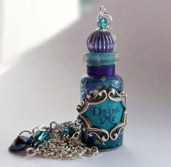 *DRINK ME (bottle Pendant) ~ Alice in Wonderland