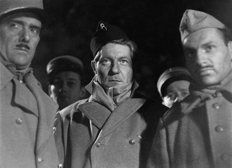 Jean Gabin Tournage De La Grande Illusion Film De Jean Renoir