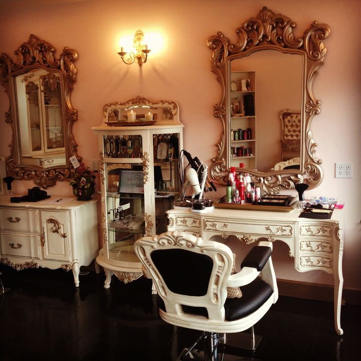 Beauty Salon Reception Area Old Fashioned
