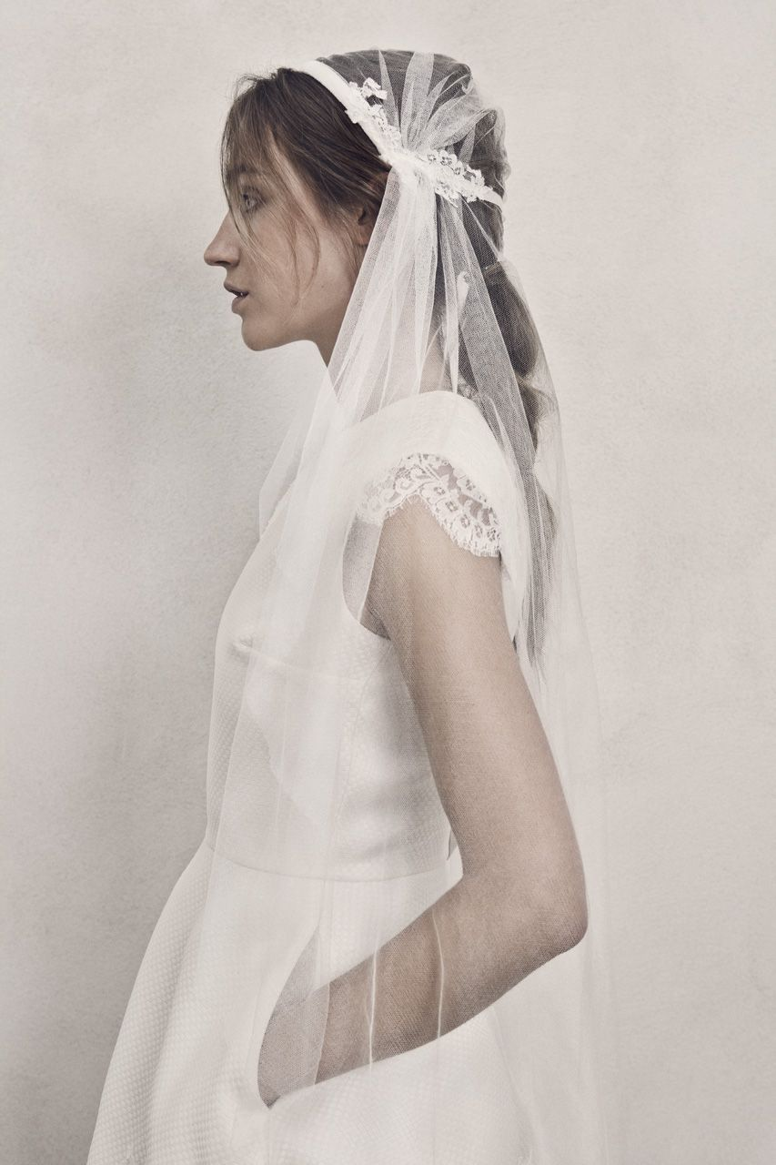 Juliet wedding dress  NOLIA simple scandicool wedding dress and SLÖR ELINE juliet cap