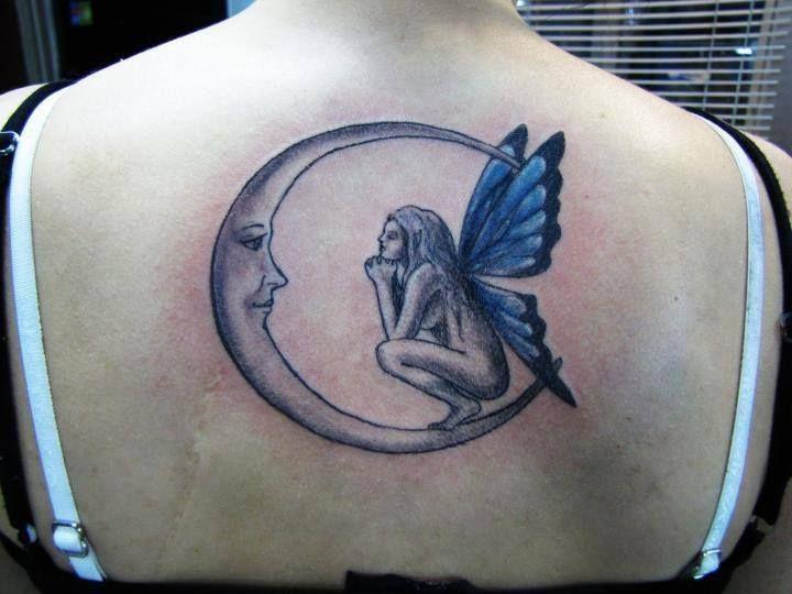 Tatuajes De Lunas En La Espalda