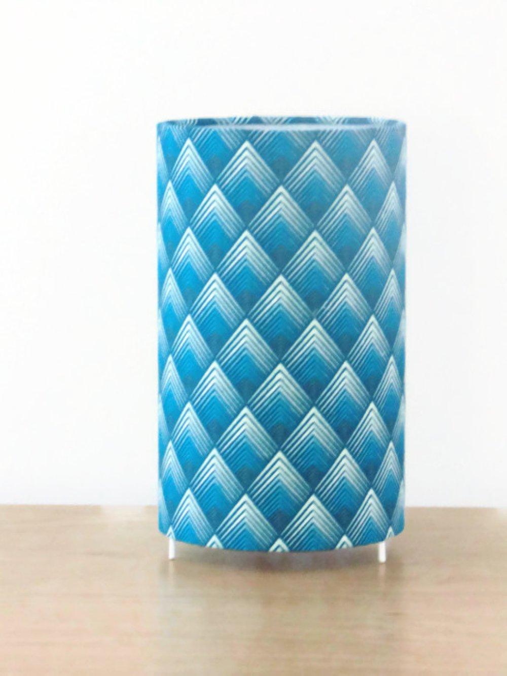 Lampe tube motif art déco losanges géométriques bleu dégradé