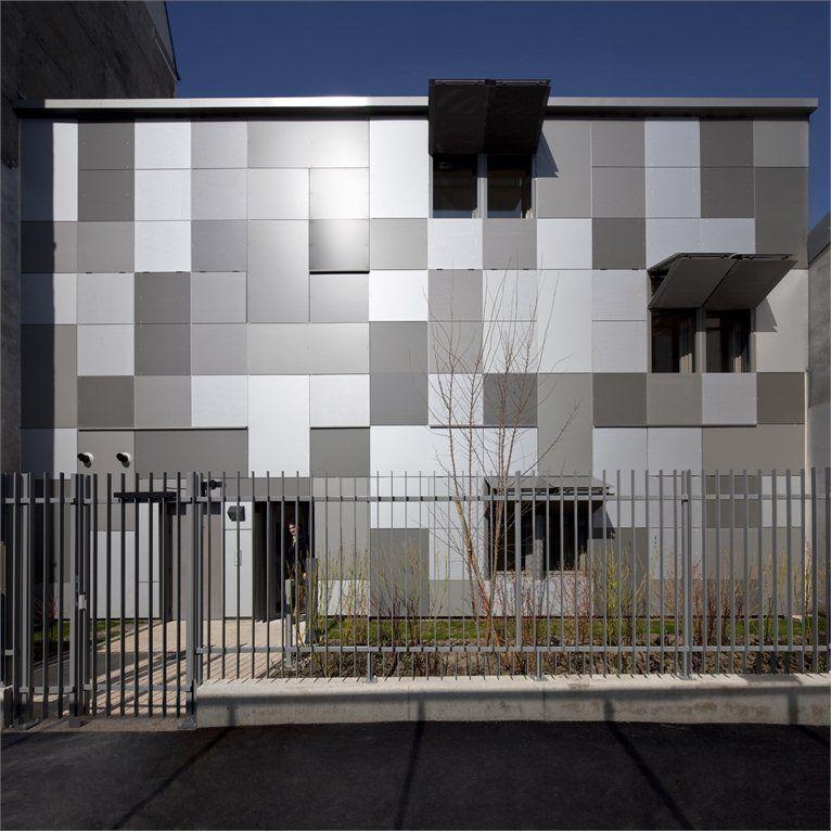 Logements sociaux THPE New social housing on a human scale Paris XVIII° / Francia / 2012