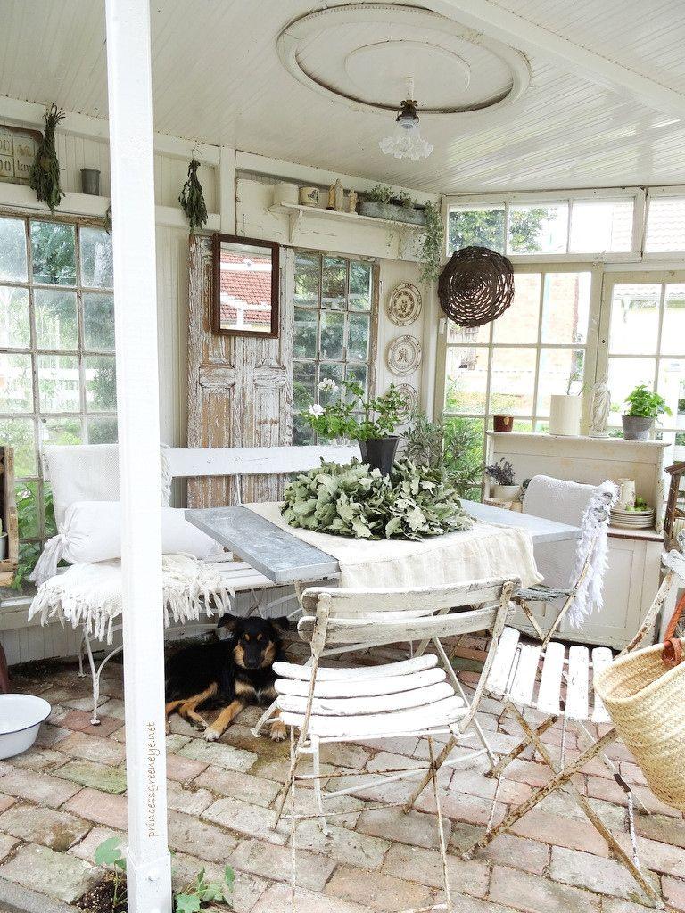32 Luxus Deko Ideen Gartenlaube Garden shed interiors