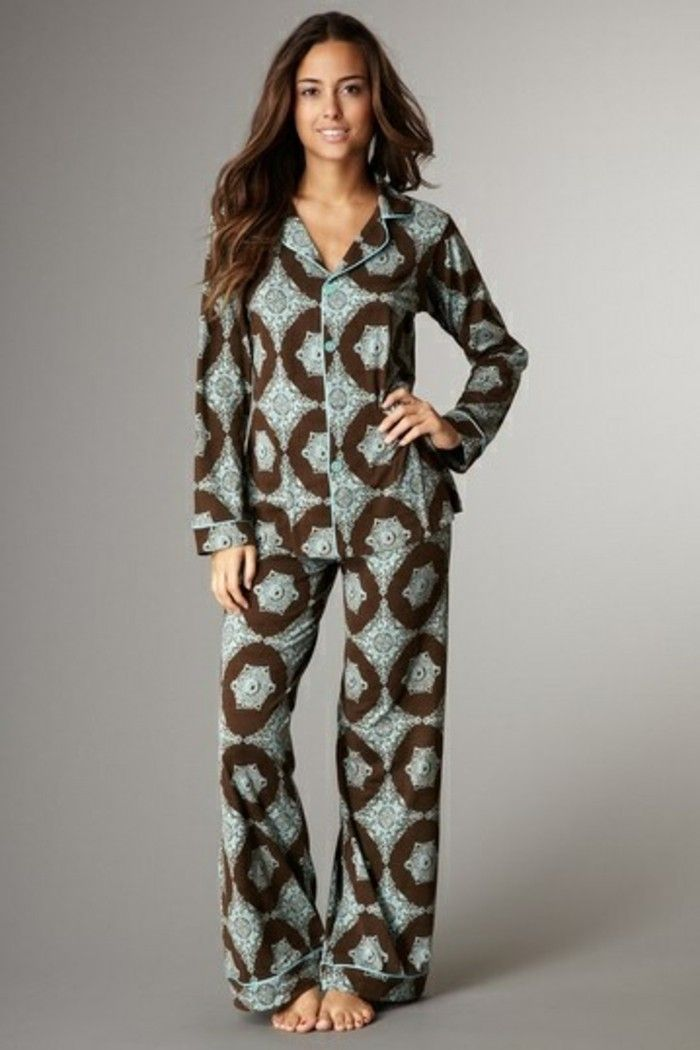 Les meilleures variantes de pyjama femme en photos! 9e46ecd57ba