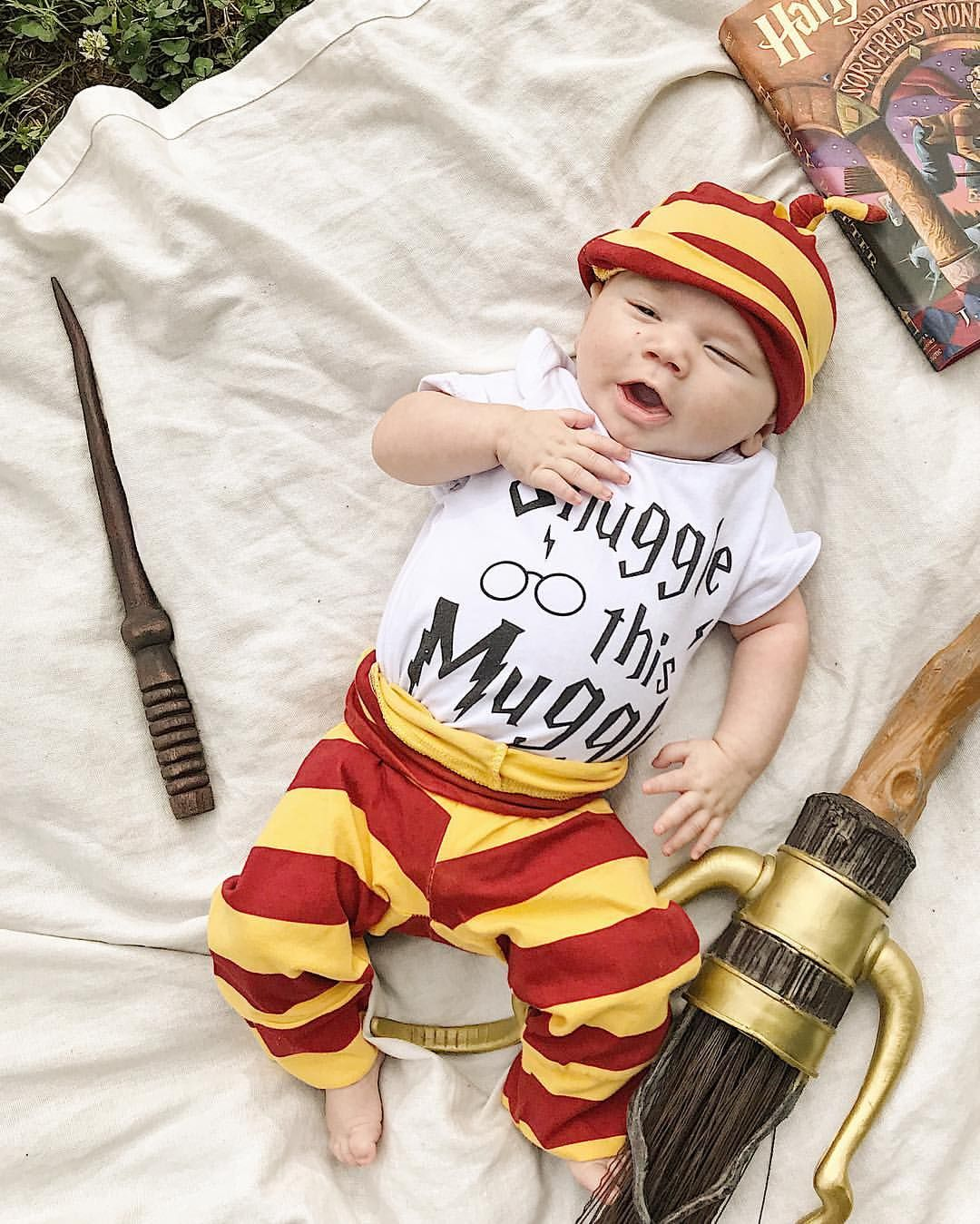 Harry potter baby photoshoot monthly baby photos harry potter photoshoot harry potter photoshoot ideas