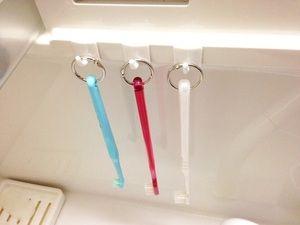 みんなスゴイ 100均 壁フック の活用アイデア8選 歯ブラシの収納 インテリア 収納 アイデア