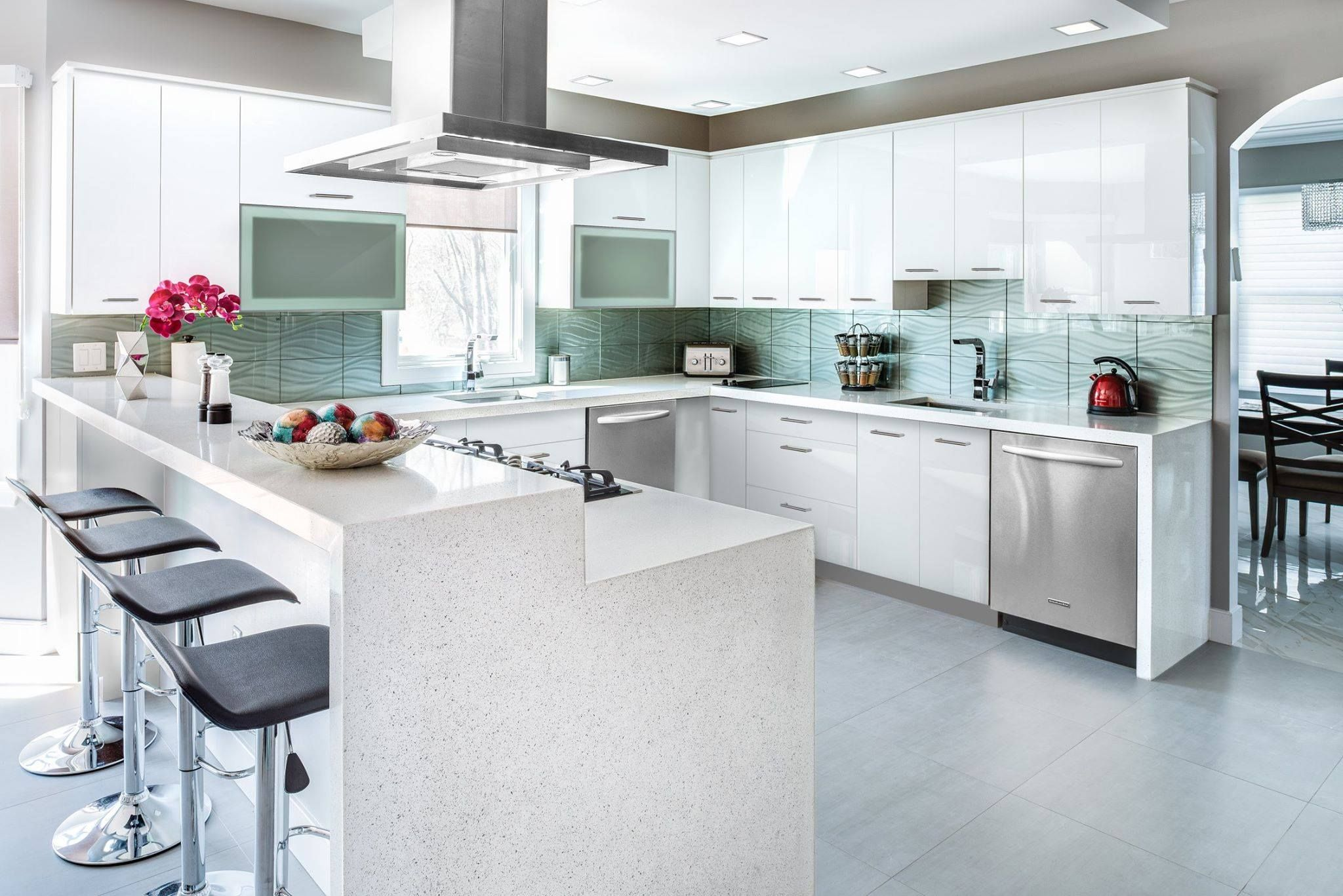 There Is Something Great About The Prima Bianco Kitchen Style That We Can T Put Our Finge High Gloss Kitchen Cabinets High Gloss Kitchen Gloss Kitchen Cabinets