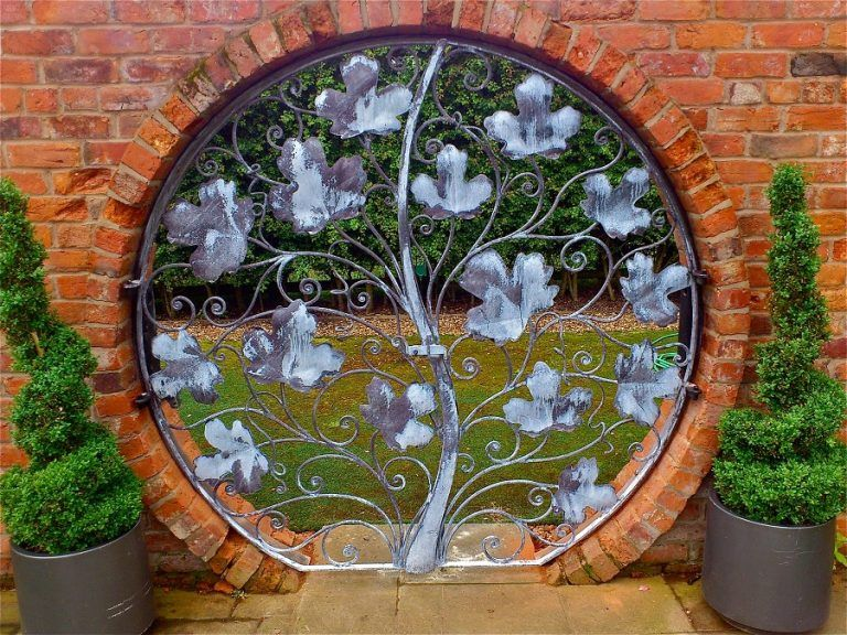 10 Intricate Metal Garden Gates Ideas For Your Outdoor ...