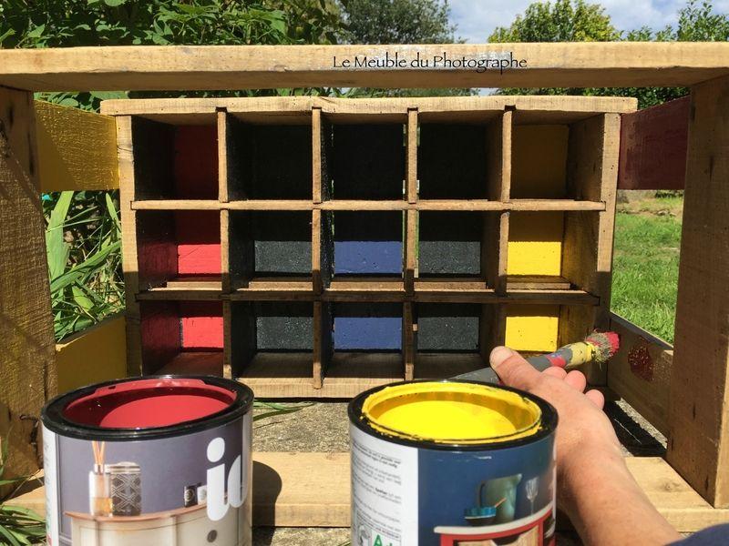 peinture d\u0027un casier à bouteilles caisses en bois mes