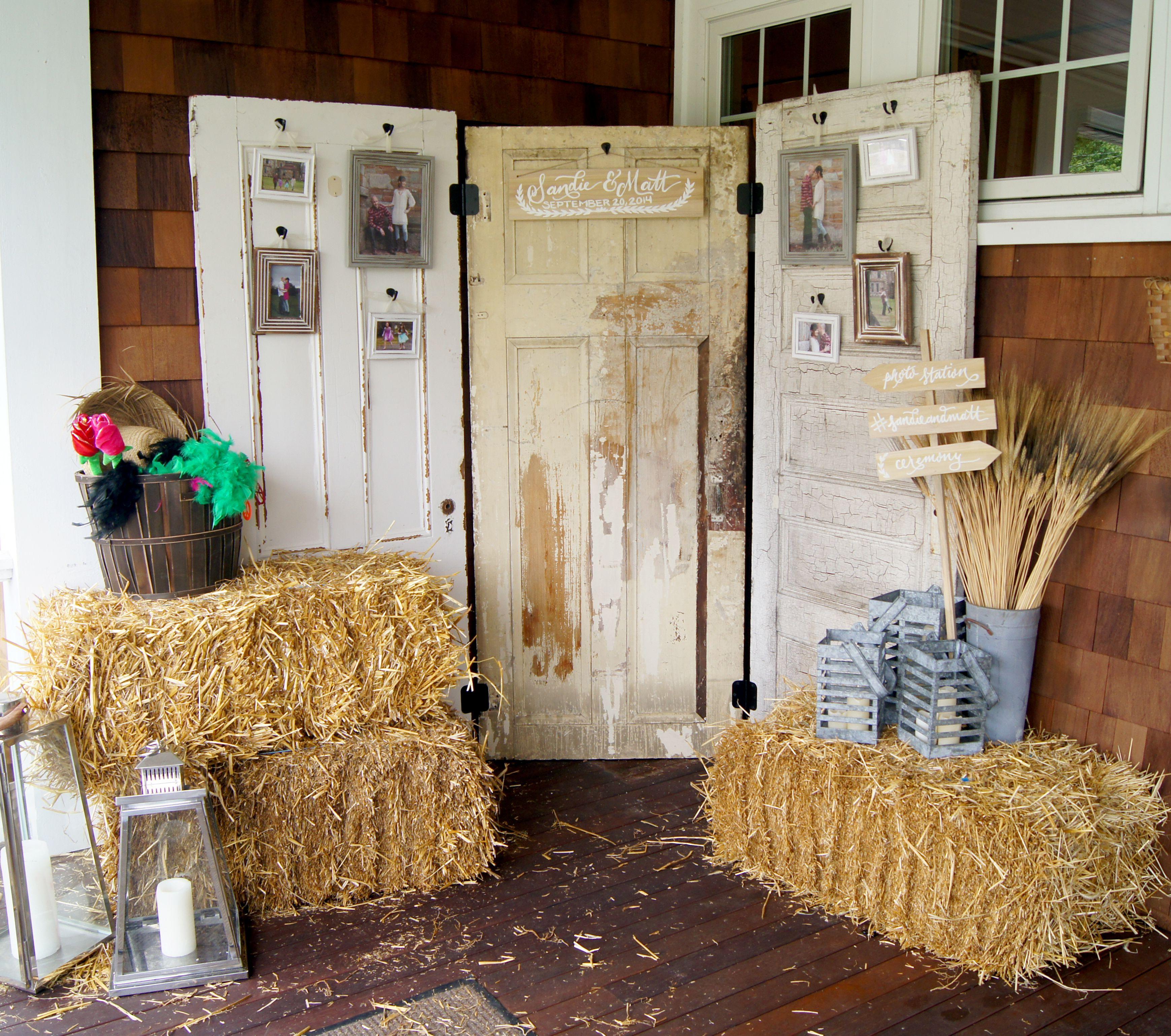 Rustic Door Wedding Ideas: Rustic Old Door Wedding Decor, Photo Backdrop, Peppers