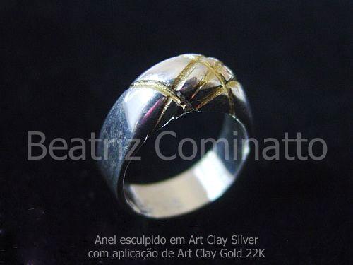Anel esculpido em Art Clay Silver e aplicação de Art Clay Gold 22K by Beatriz Cominatto, via Flickr