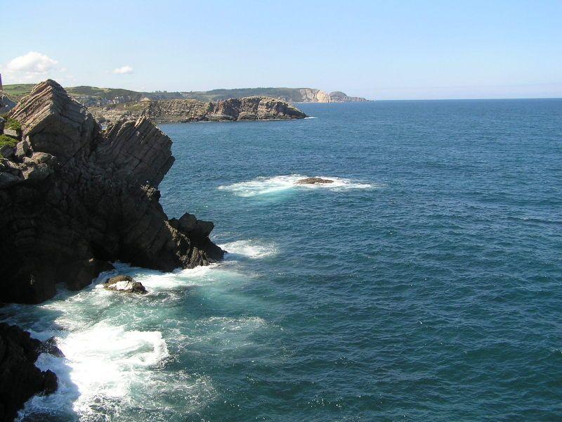 Salinas, al norte de España es un lugar perfecto para veranear llevo toda mi vida llendo a veranear, es magnifico