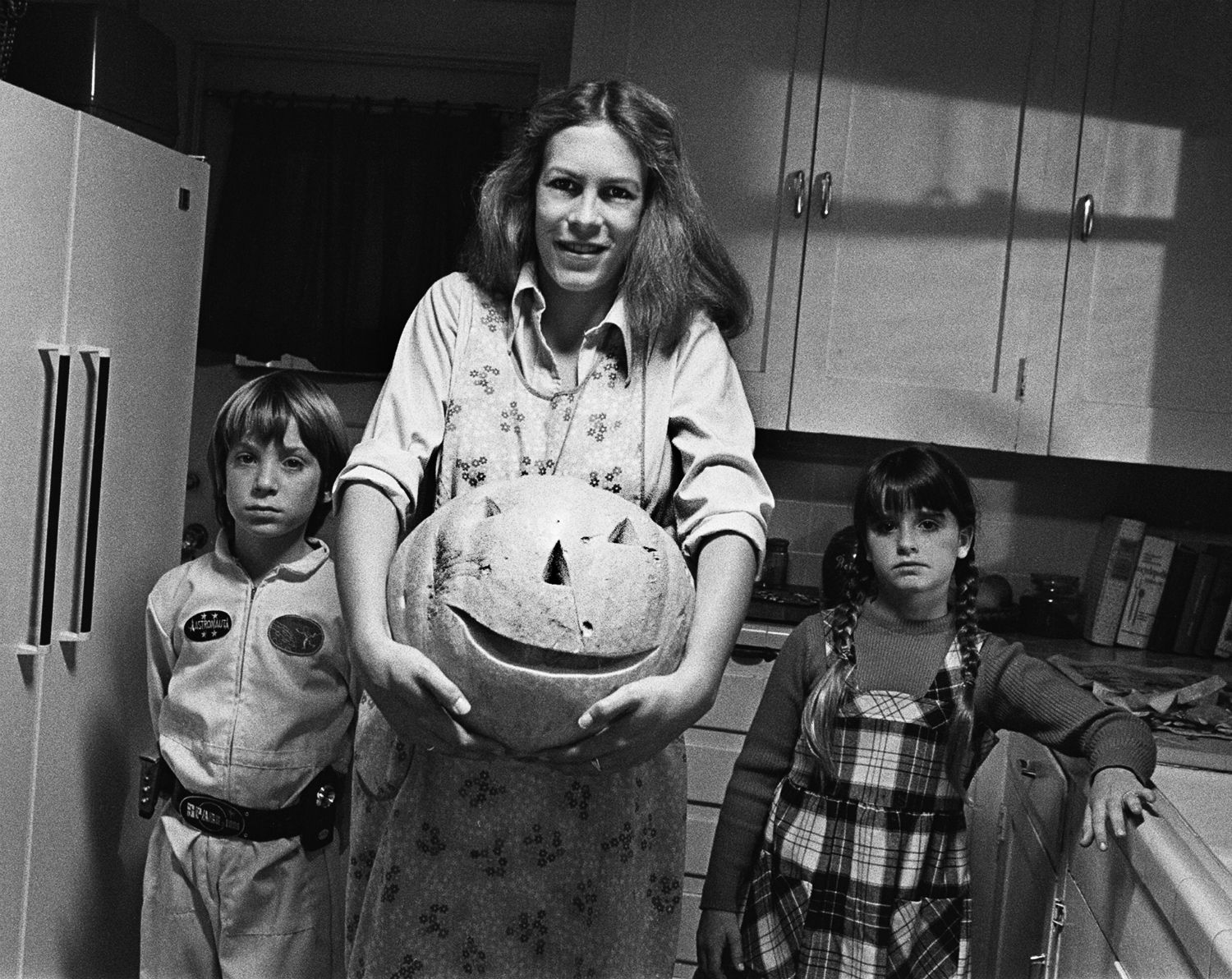 Brian Andrews and Jamie Lee Curtis in Halloween directed