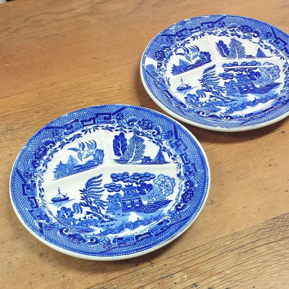 sc 1 st  Pinterest & Set of 2 Blue Willow Divided Dinner Plates Stamped Made in Japan