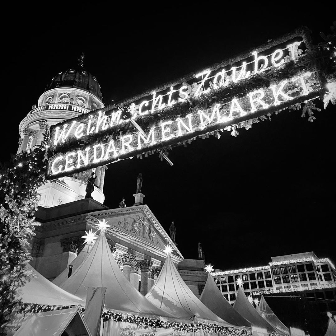 D S Auf Instagram Wish You A Wonderful 2nd Advent Maybe It Is Time For A Walk Over The Enchanting Christmas Market At The Christmas Market Instagram Wonder