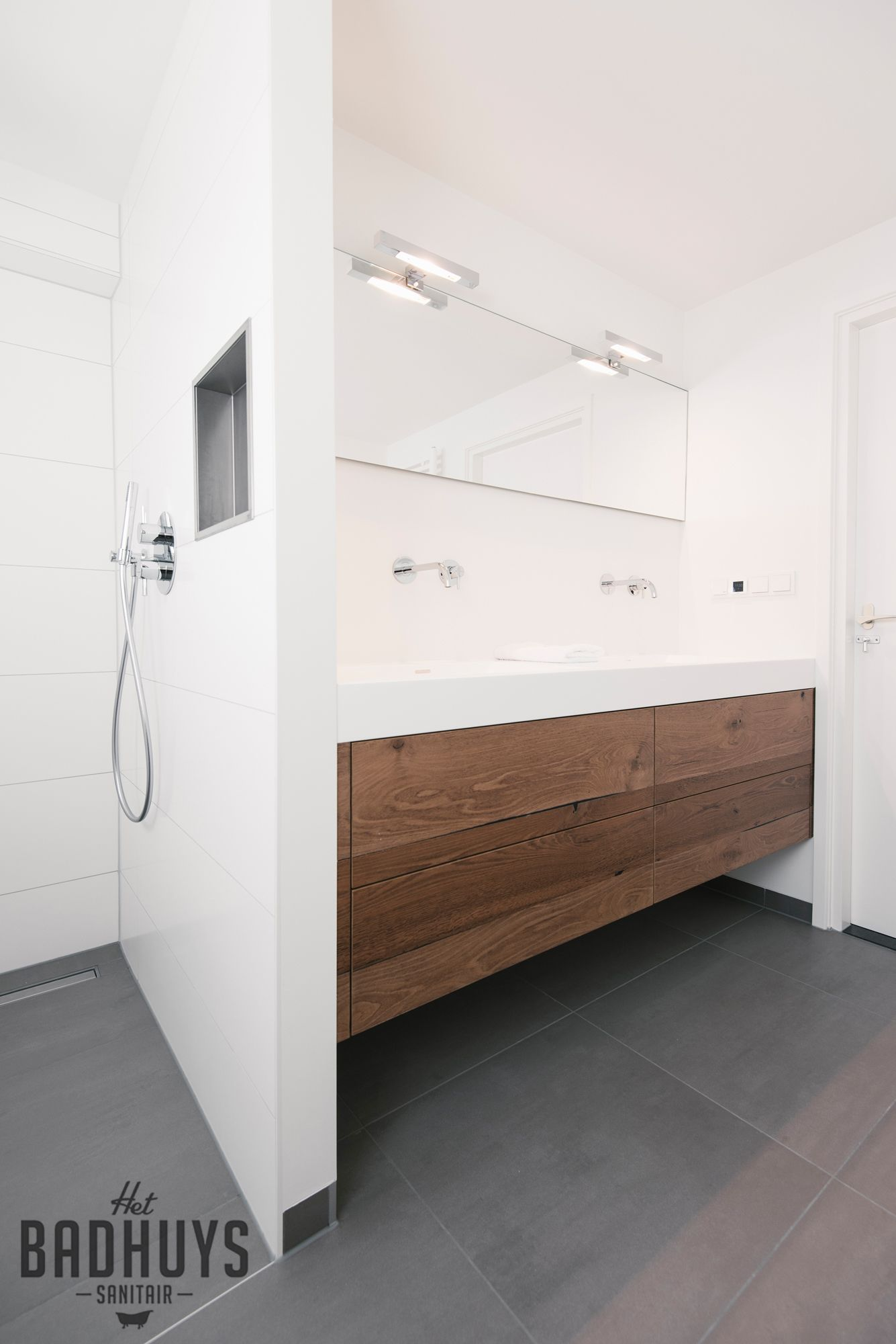 Het badhuys breda moderne badkamers l het badhuys pinterest bath interiors and bath room for Moderne badkamers