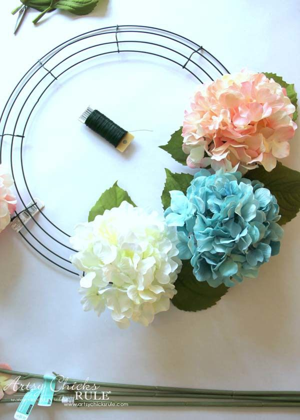 Photo of DIY Hydrangea Wreath (so easy, you can make your own!)
