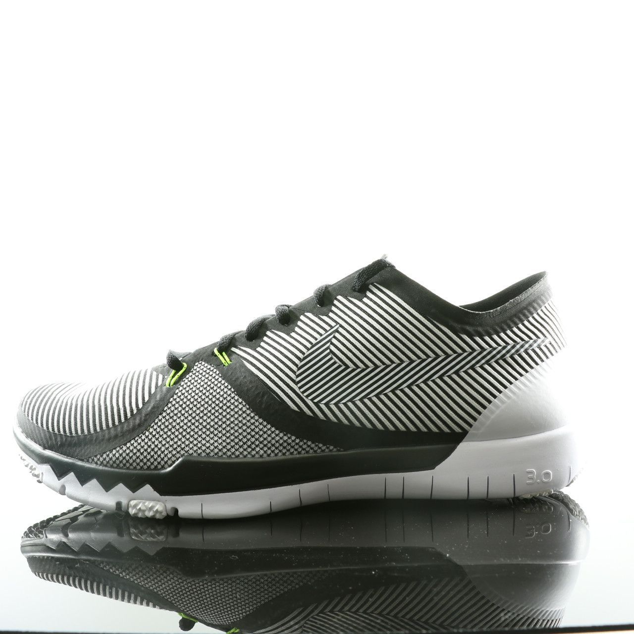 nike free trainer 3 0 v4 striped running shoes black
