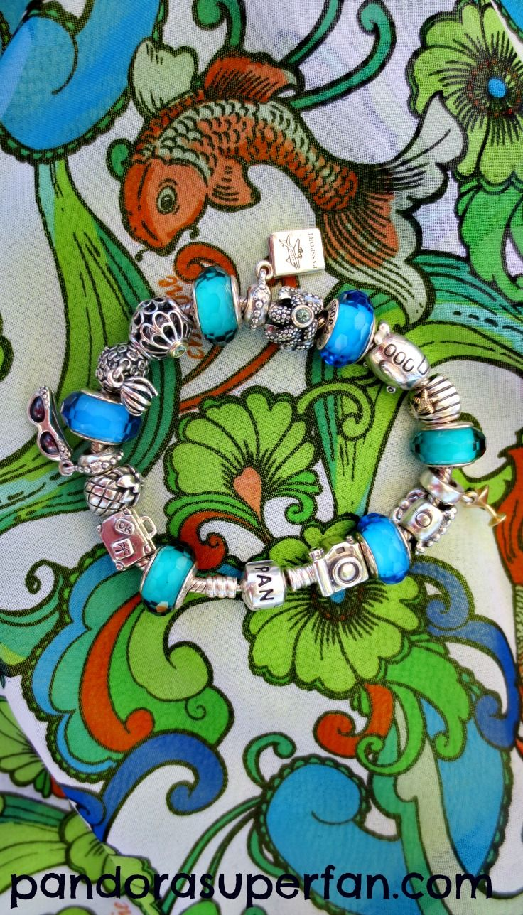 Holiday bracelet with holiday sarong