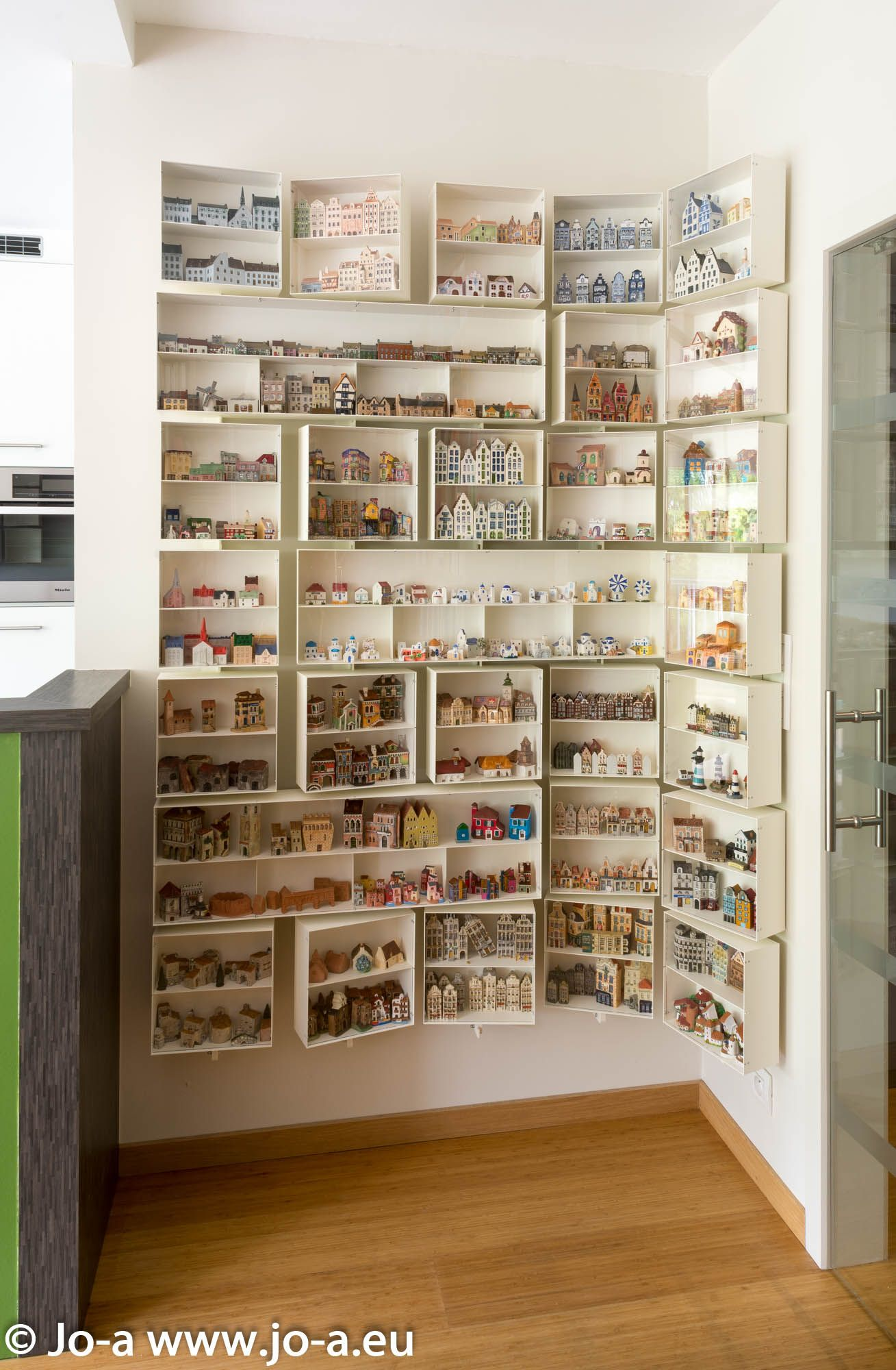 Jo a Toon modular Display Unit example project Wall mounted steel