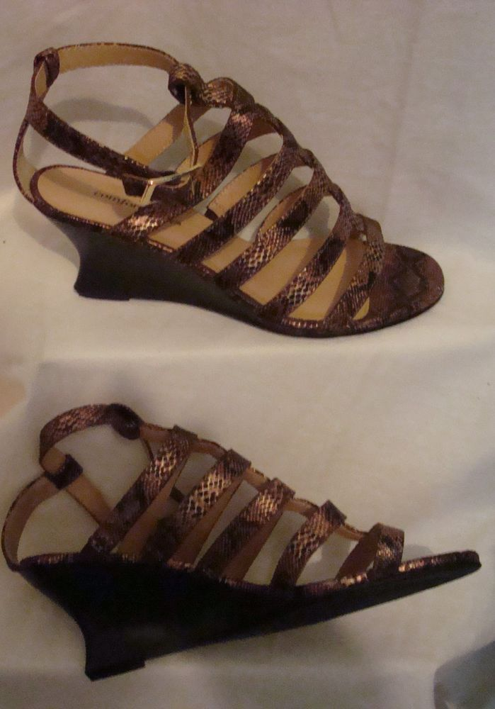 b8b02162d Comfortview Women Sandal Size 71 2 M Strapped Bronze and Brown  Comfortview   Sandals