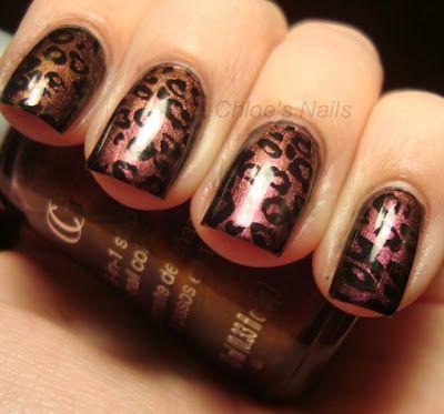 Pretty leopard nails