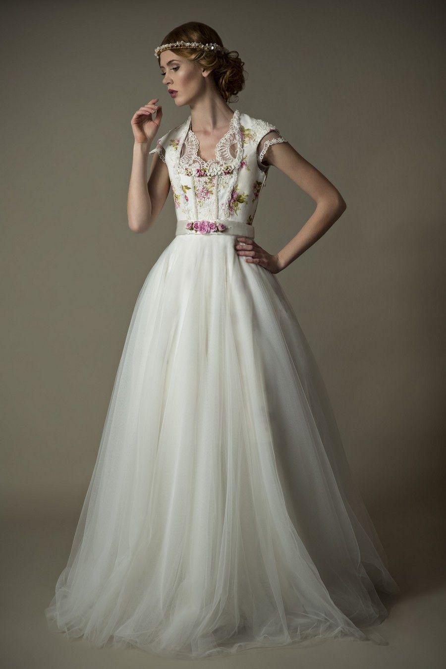 Edle Trachten-Couture für Dirndl-Bräute  Hochzeitskleid dirndl