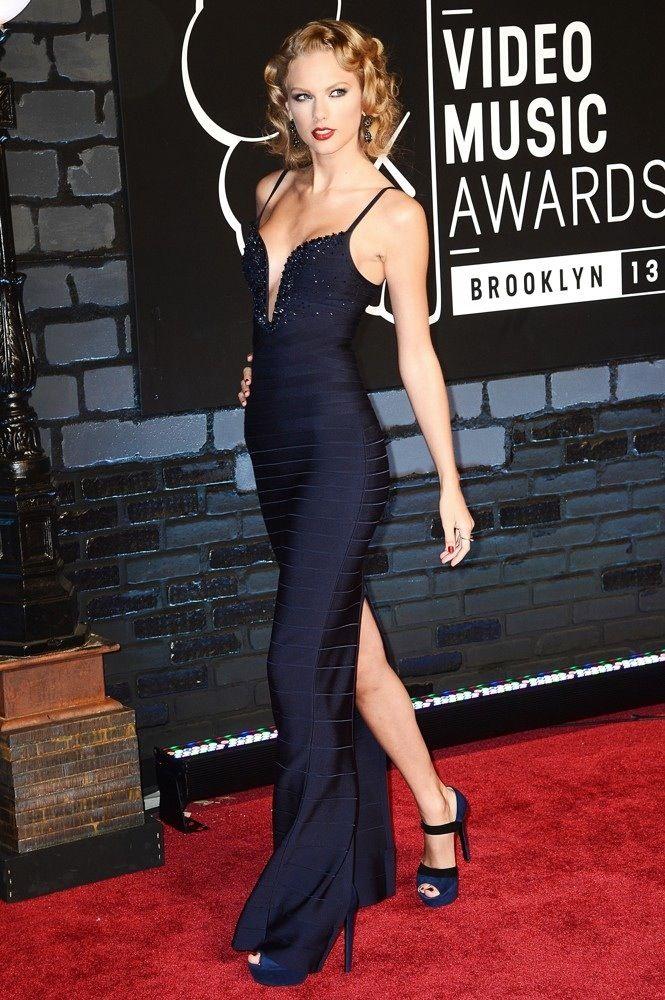 Taylor Swift At The 2013 Mtv Vma S Taylor Swift Dress Taylor Swift Style Taylor Swfit