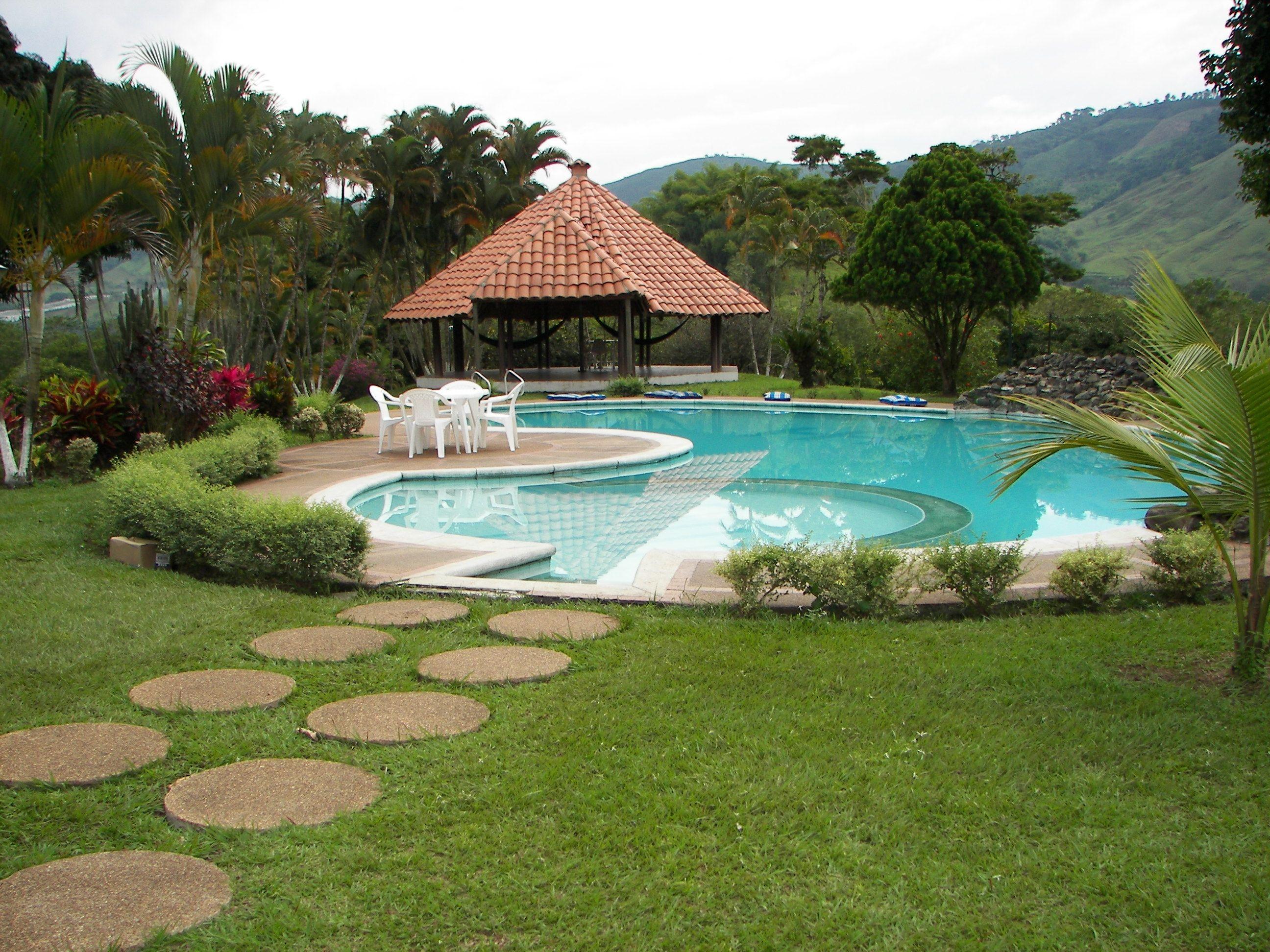 Pin de haciendas mediterr neo en fincas en sant gueda for Cerramiento para piscinas colombia