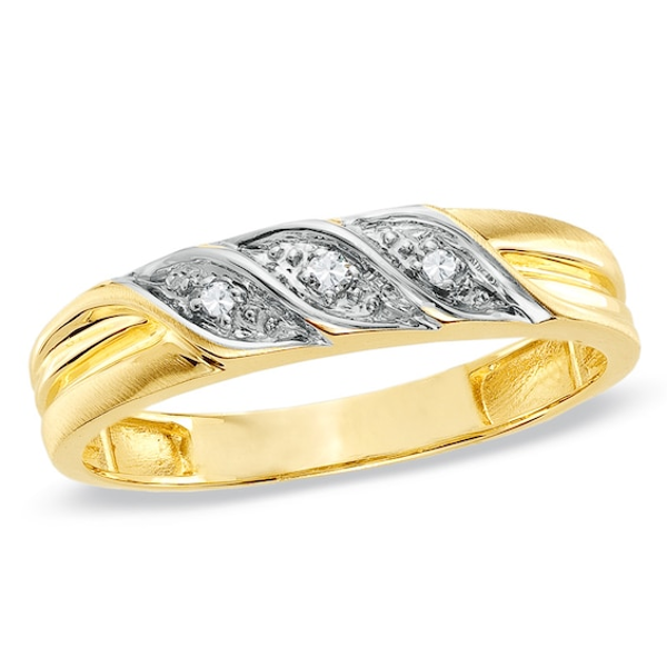 Ladies Diamond Accent Wedding Band In 10k Gold Wedding