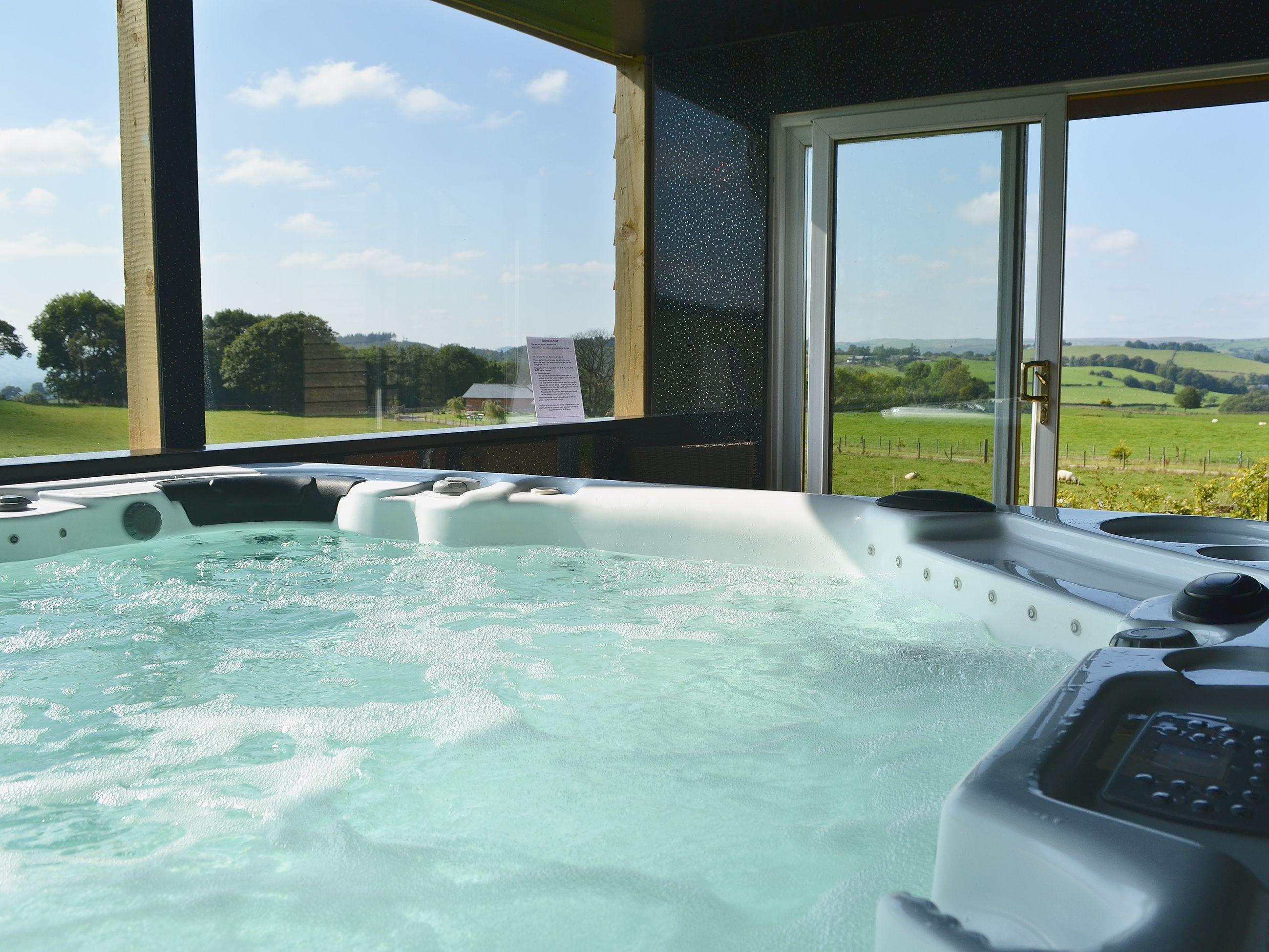 Pin On Hot Tub Holiday Homes