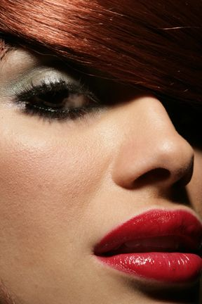 super smoothed lip | Smooth lips, Beautiful redhead ...