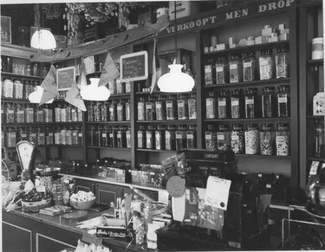 Asstraat 7 Groningen Shoppie Droppie foto van 1985 winkel bestaat nog