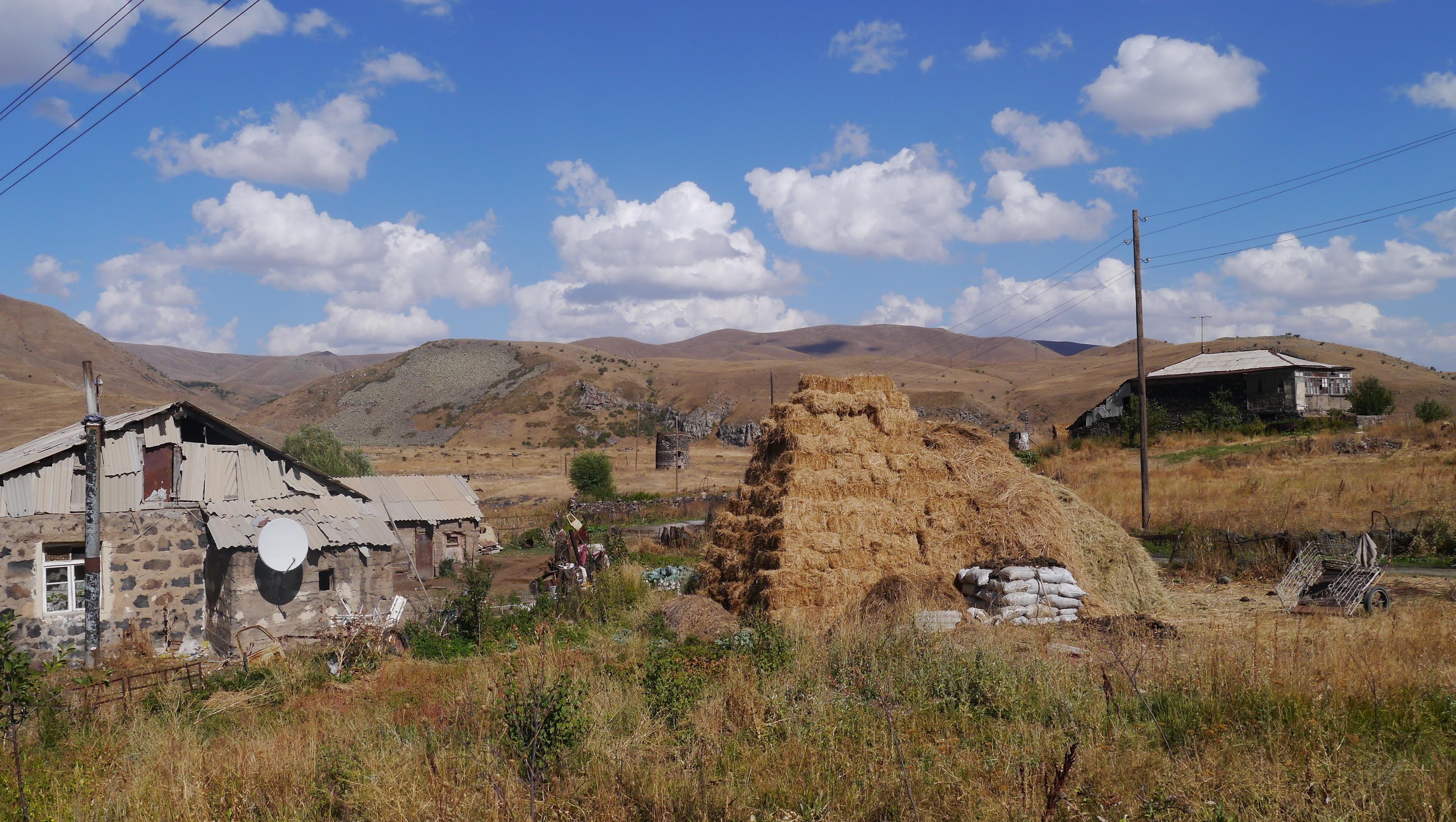 armenie paysage - Recherche Google   Natural landmarks, Mount rushmore, Landmarks