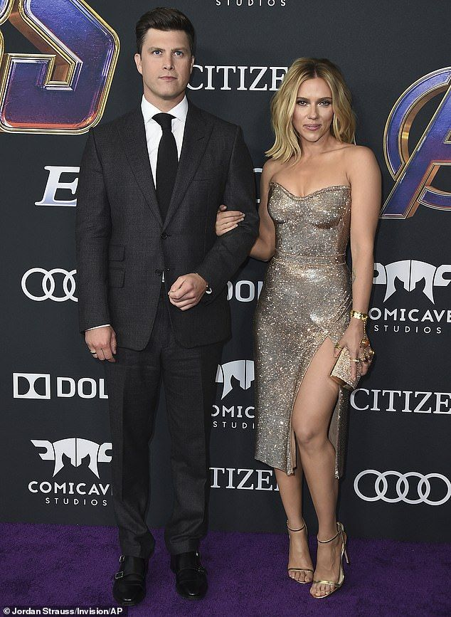 Scarlett Johansson flashes 400k engagement ring from
