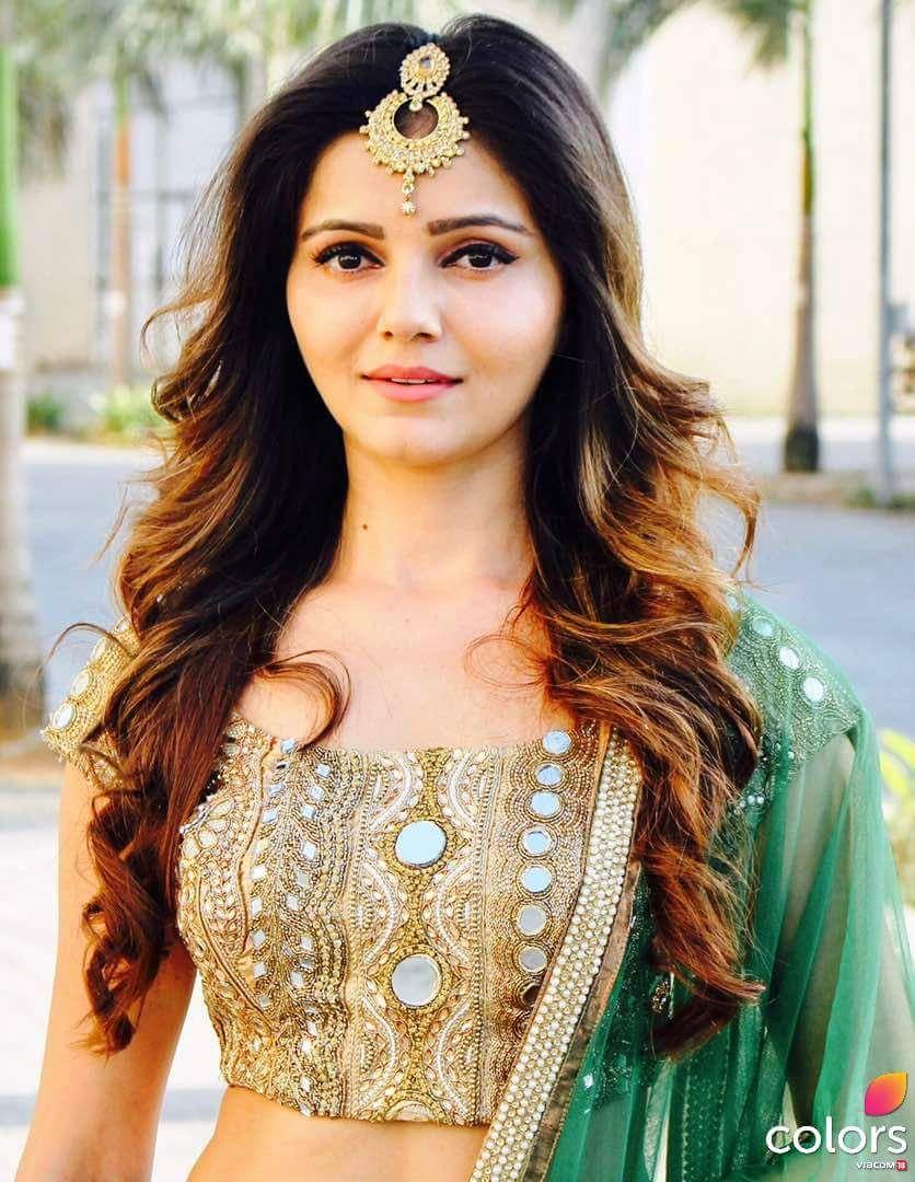 pin by isha on mehndi designs | indian bridal hairstyles
